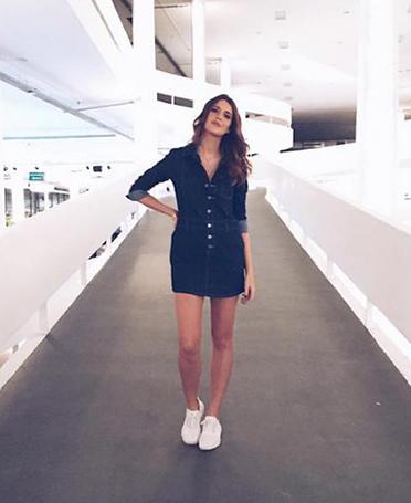 Manuela veste o nosso vestido jeans muso